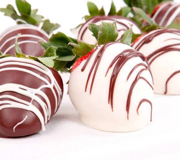 Chocolate Drizzled Strawberries