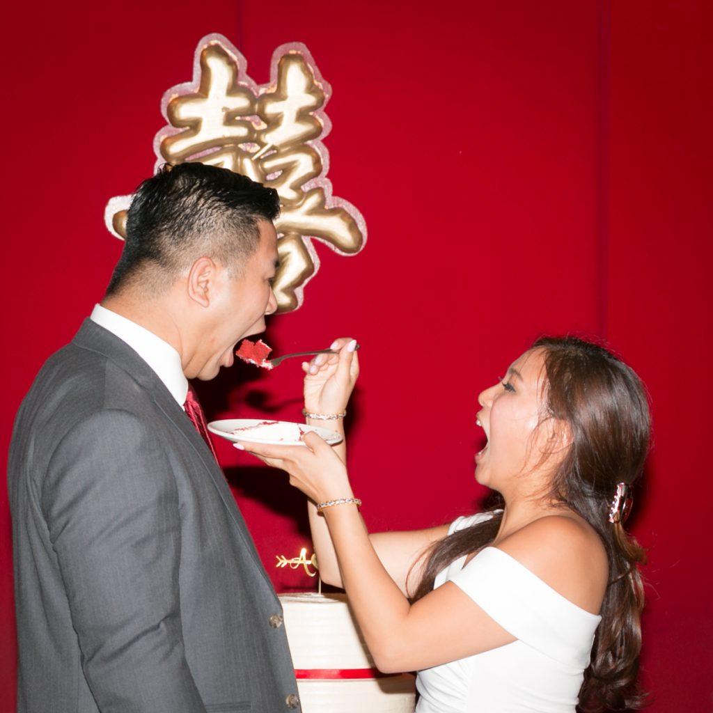 Digisnap Wedding Photography – Bride and Groom eating wedding cake