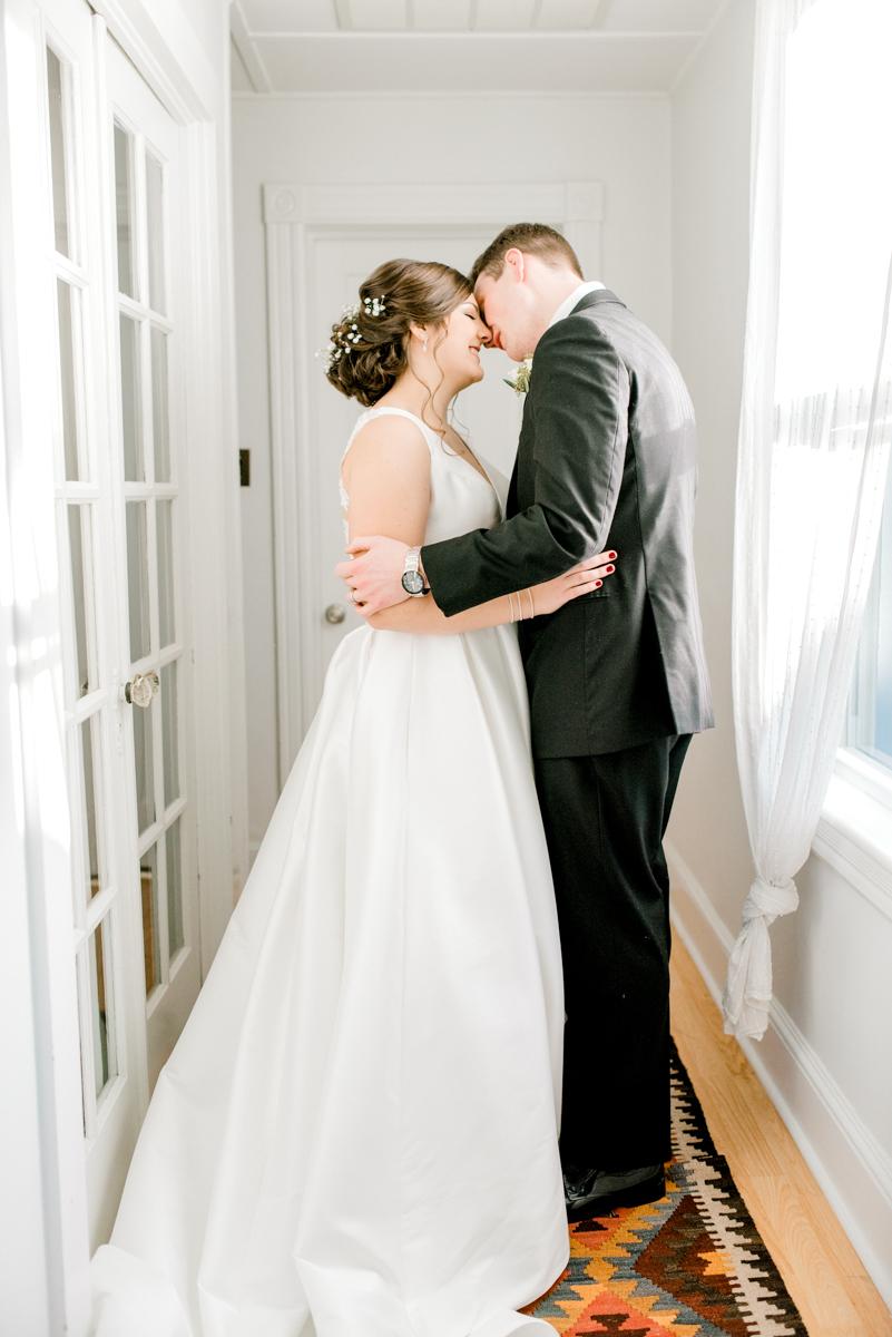 haley-richter-photography-airbnb-winter-wedding-longbranch-newjersey-mcloones-pier-house-beach-080