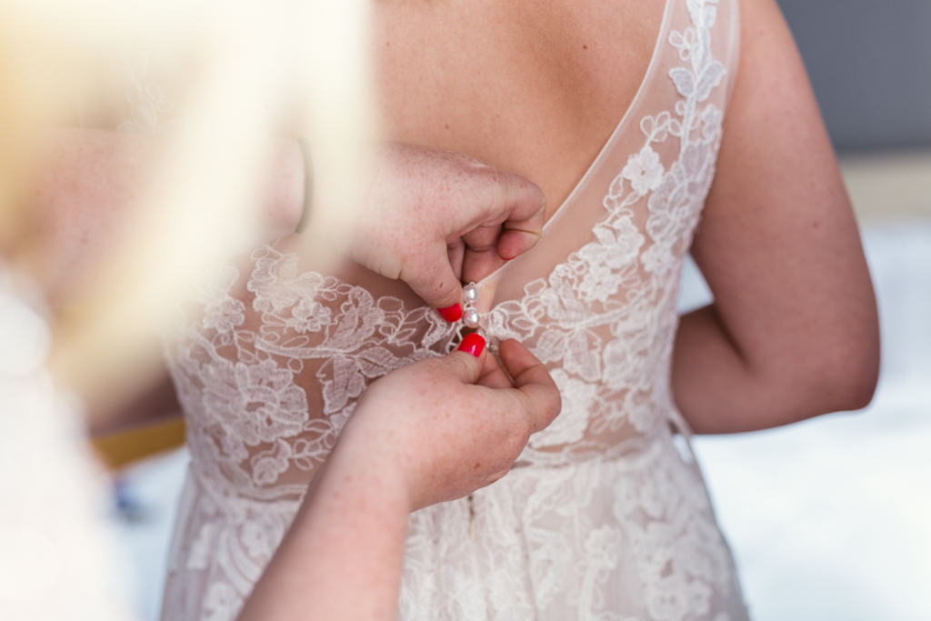 Thalia-Hall-wedding-by-Emma-Mullins-Photography-31