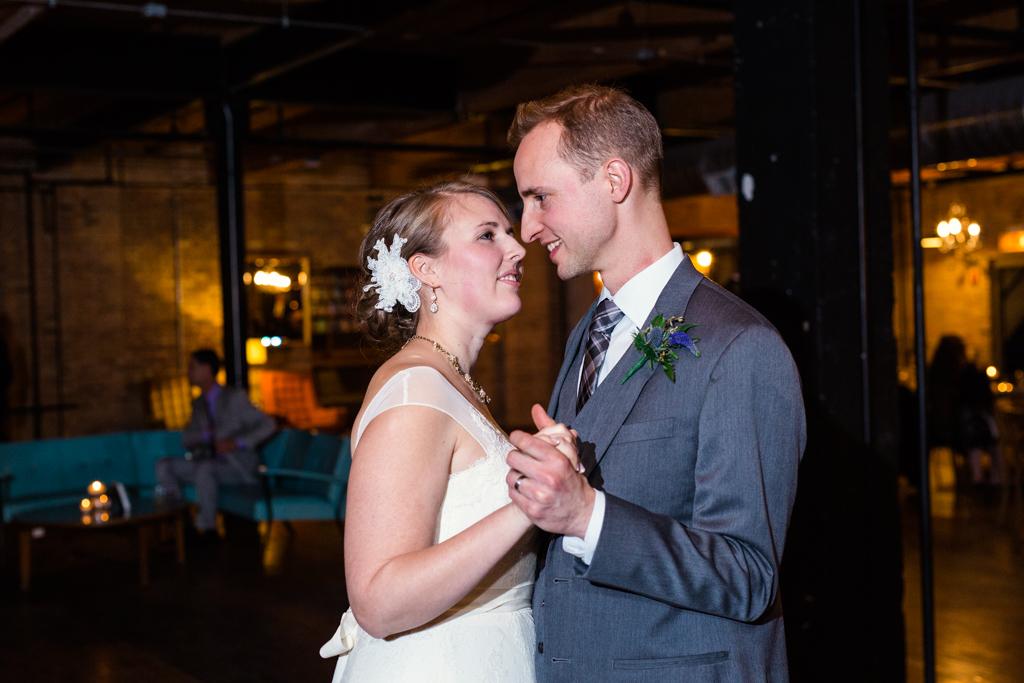 Vintage-Chicago-wedding-by-Emma-Mullins-Photography127