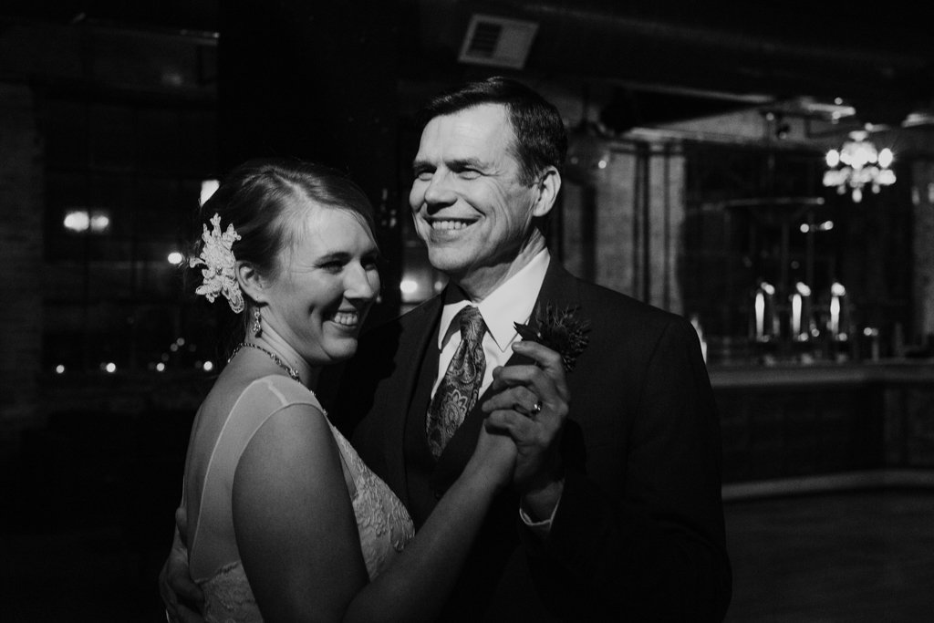 Vintage-Chicago-wedding-by-Emma-Mullins-Photography128