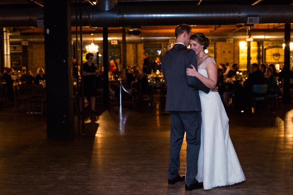 Vintage-Chicago-wedding-by-Emma-Mullins-Photography126
