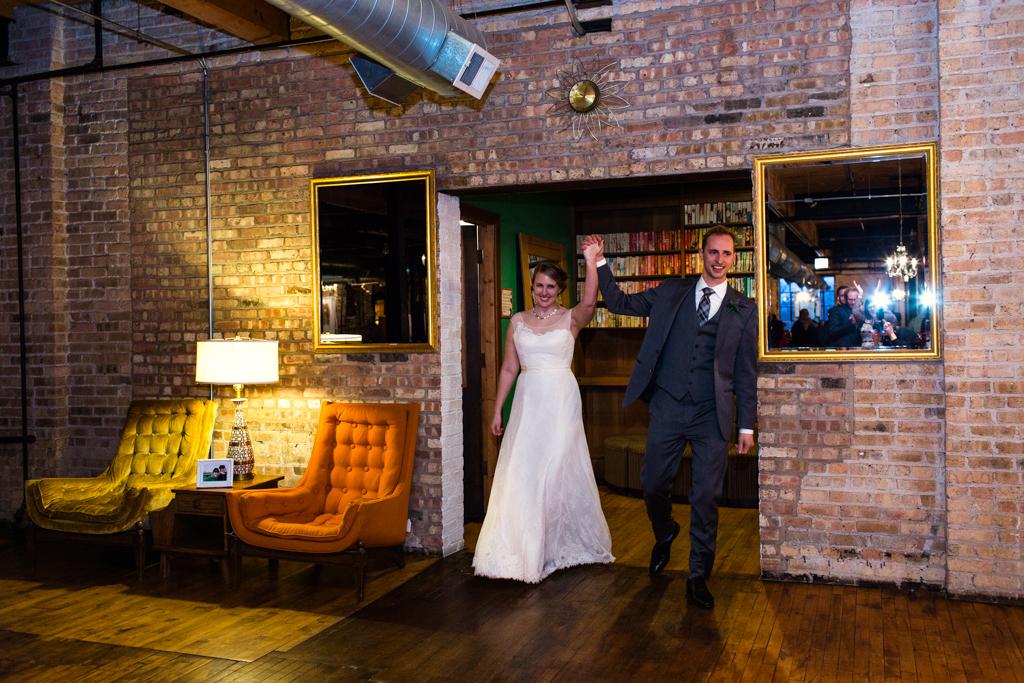 Vintage-Chicago-wedding-by-Emma-Mullins-Photography106
