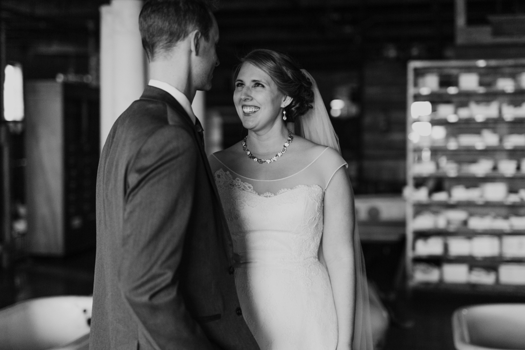 Vintage-Chicago-wedding-by-Emma-Mullins-Photography084