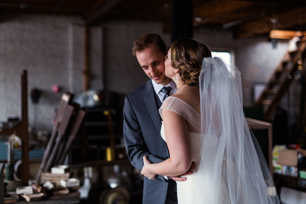 Vintage-Chicago-wedding-by-Emma-Mullins-Photography083