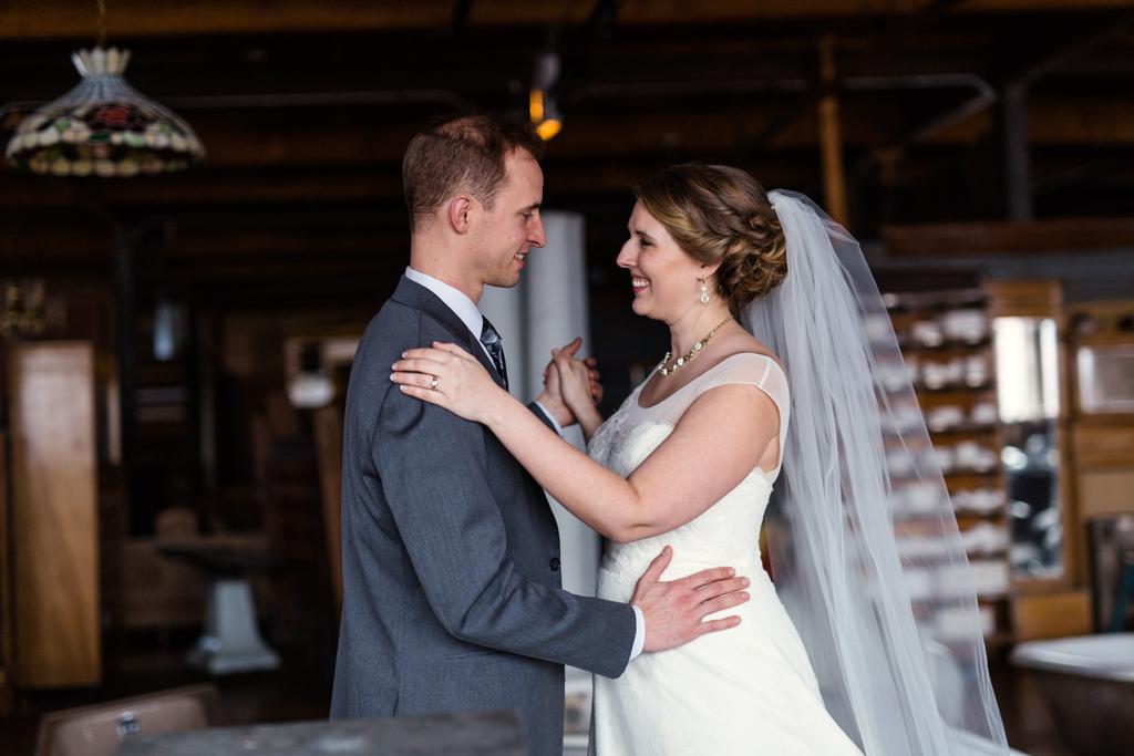 Vintage-Chicago-wedding-by-Emma-Mullins-Photography081