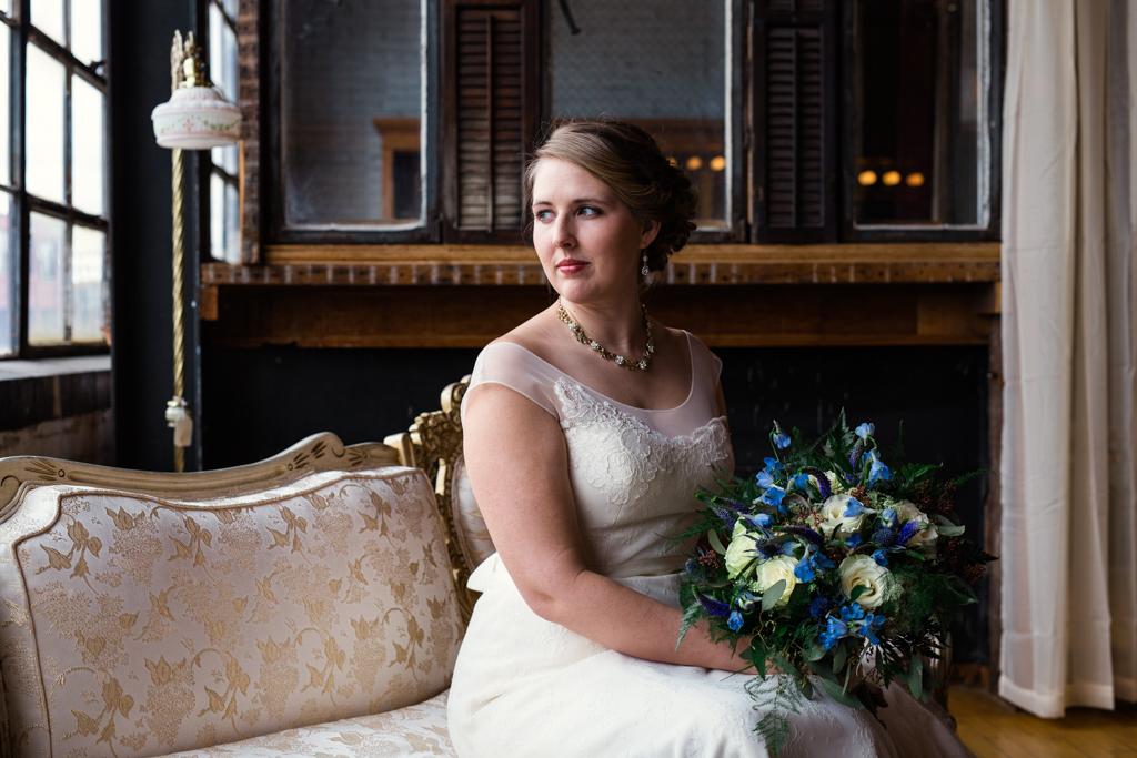 Vintage-Chicago-wedding-by-Emma-Mullins-Photography018