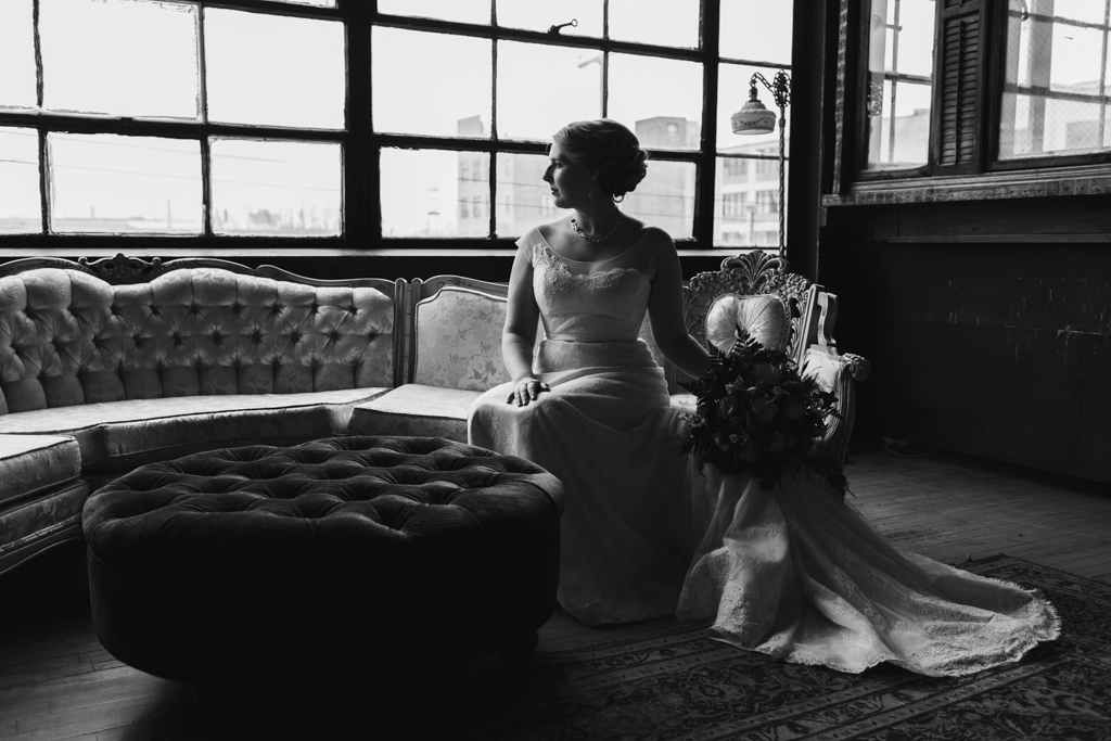 Vintage-Chicago-wedding-by-Emma-Mullins-Photography017