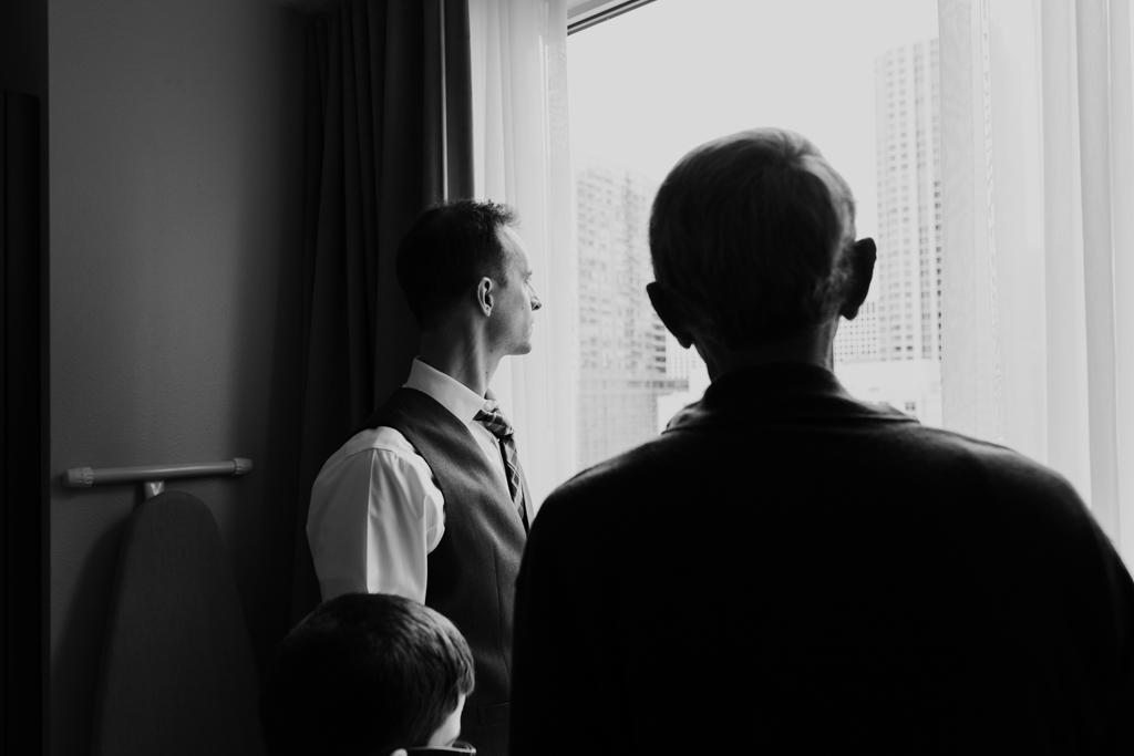 Vintage-Chicago-wedding-by-Emma-Mullins-Photography004