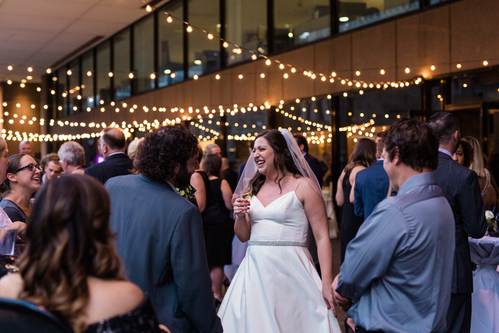 Downtown-Chicago-wedding-by-Emma-Mullins-Photography102