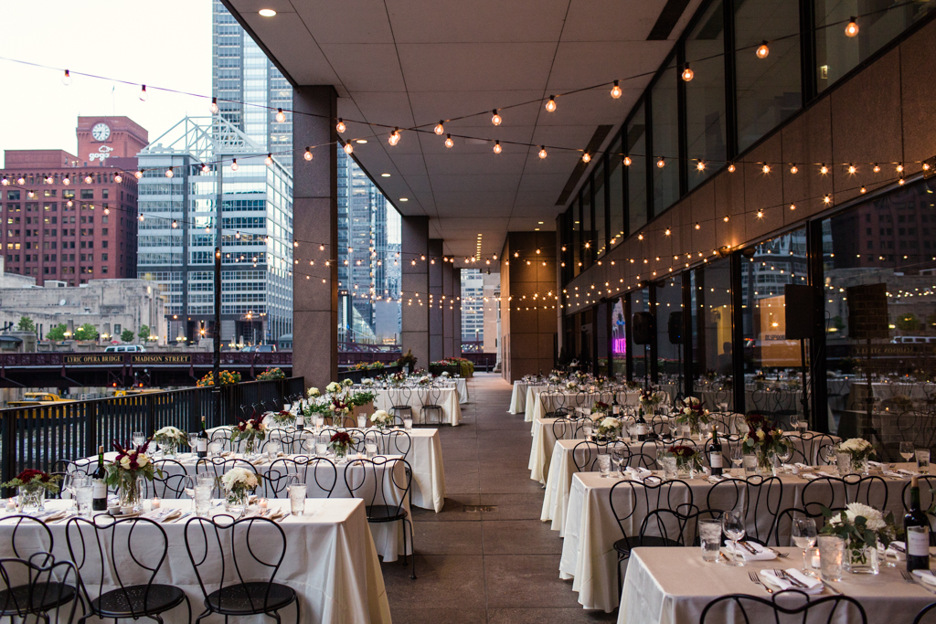 Downtown-Chicago-wedding-by-Emma-Mullins-Photography101