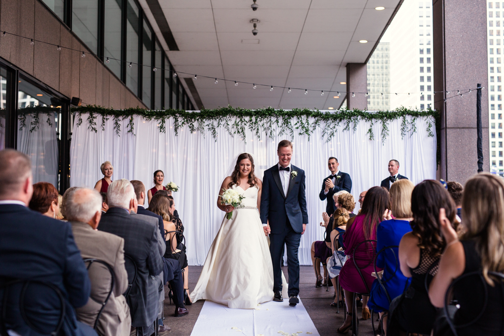 Downtown-Chicago-wedding-by-Emma-Mullins-Photography090