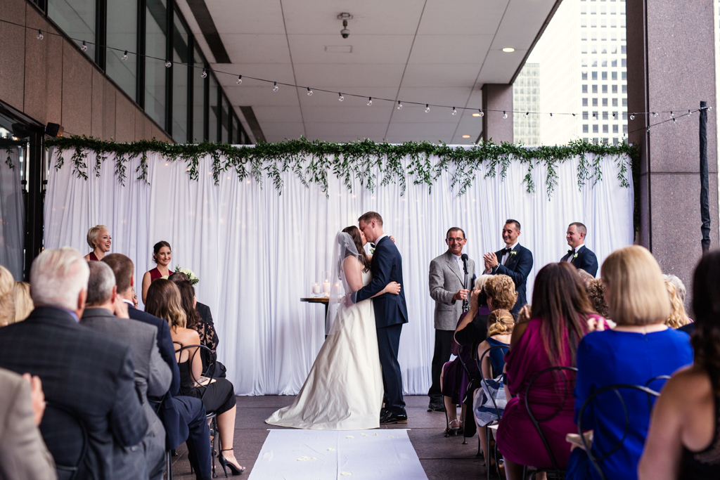 Downtown-Chicago-wedding-by-Emma-Mullins-Photography088