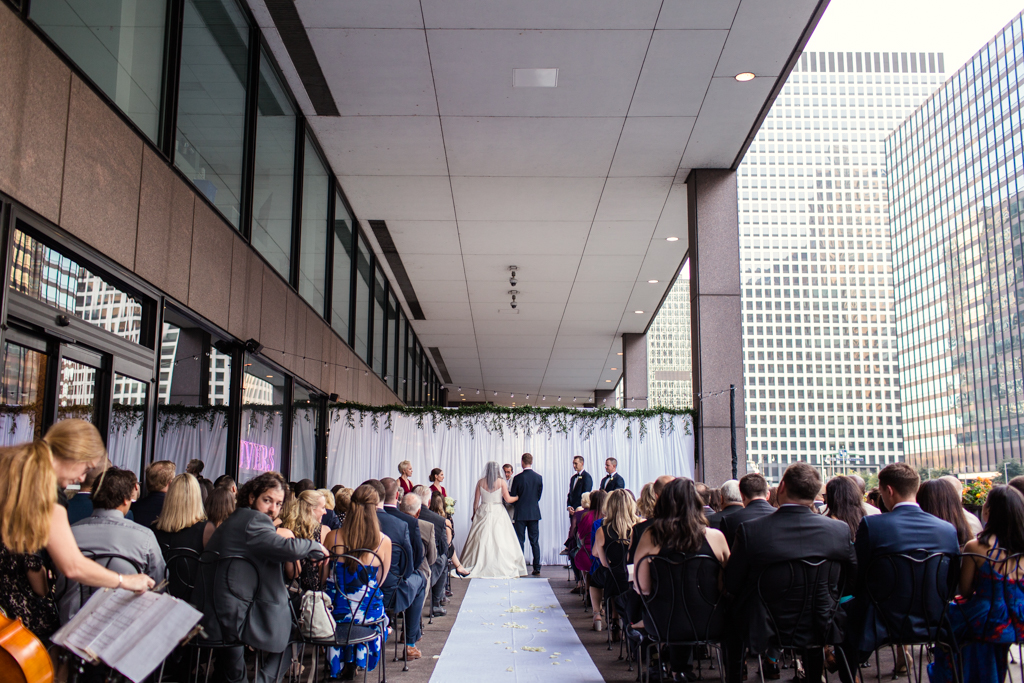 Downtown-Chicago-wedding-by-Emma-Mullins-Photography064