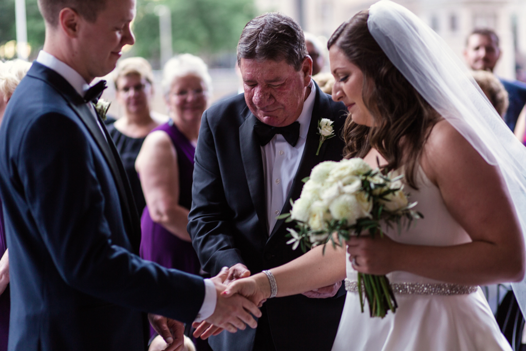 Downtown-Chicago-wedding-by-Emma-Mullins-Photography062