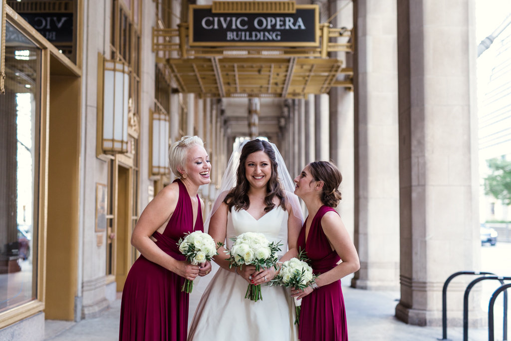 Downtown-Chicago-wedding-by-Emma-Mullins-Photography038