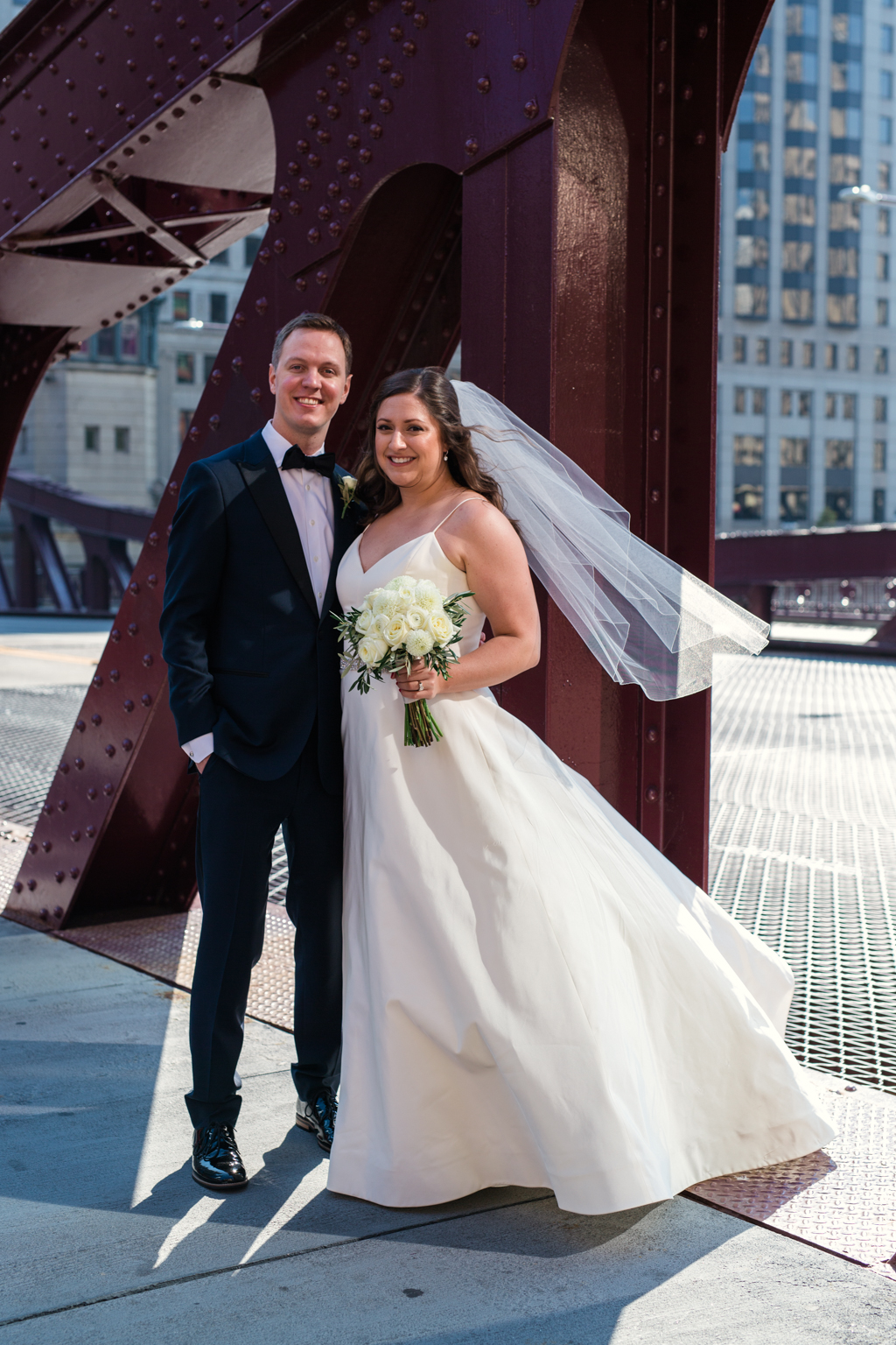 Downtown-Chicago-wedding-by-Emma-Mullins-Photography030