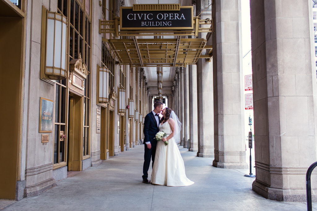 Downtown-Chicago-wedding-by-Emma-Mullins-Photography032