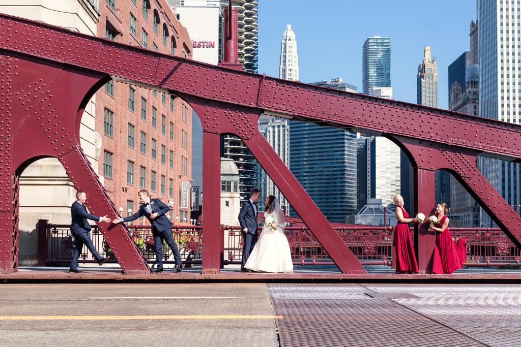 Downtown-Chicago-wedding-by-Emma-Mullins-Photography028