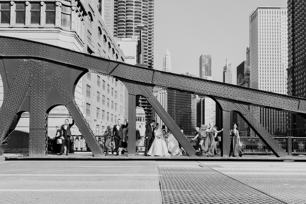 Downtown-Chicago-wedding-by-Emma-Mullins-Photography027