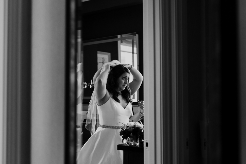 Downtown-Chicago-wedding-by-Emma-Mullins-Photography015