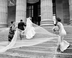 TRADITIONAL AND NATURAL PHILADELPHIA MUSEUM OF ART WEDDING