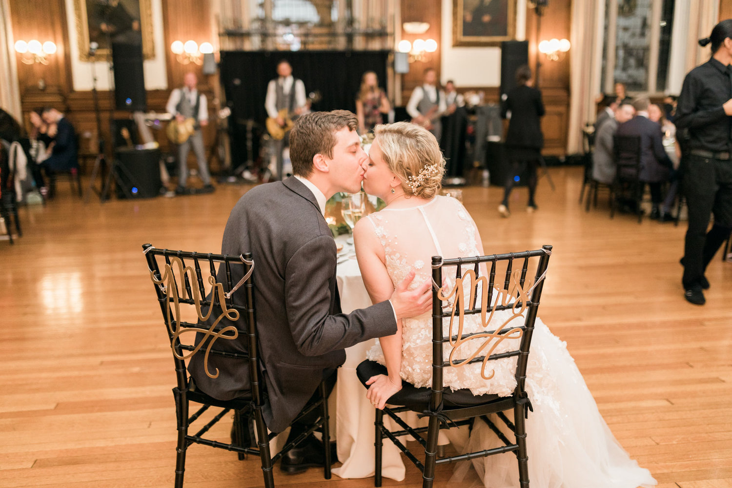 haley-richter-photography-autumn-college-of-physicians-wedding-philadelphia--336