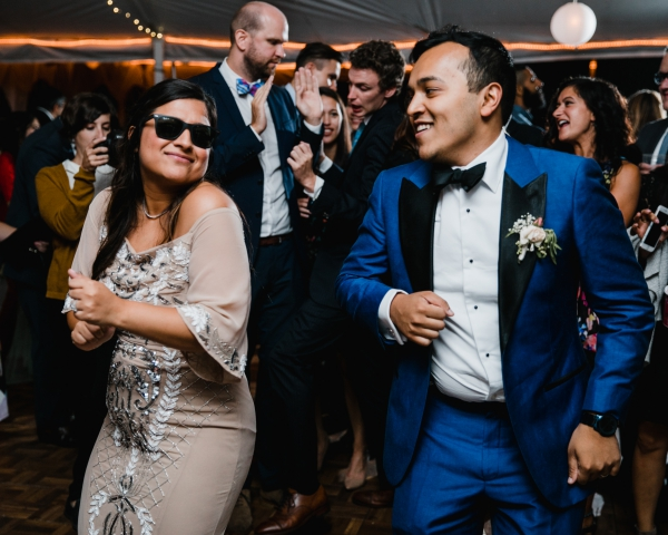 Bride and Groom dancing to wedding band in Philadelphia PA