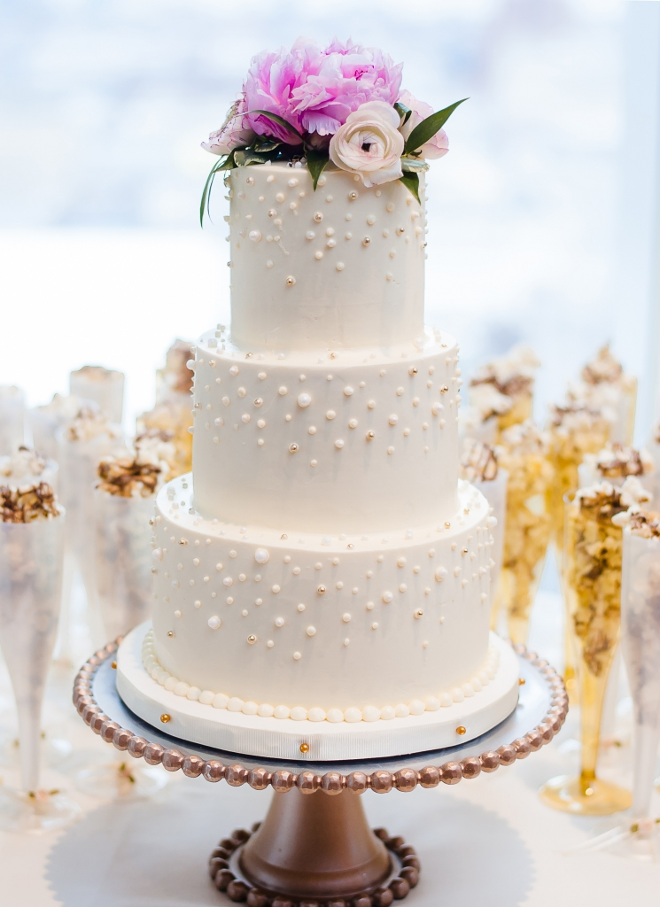 falling-Pearls-wedding-cake-whipped-bakeshop-2
