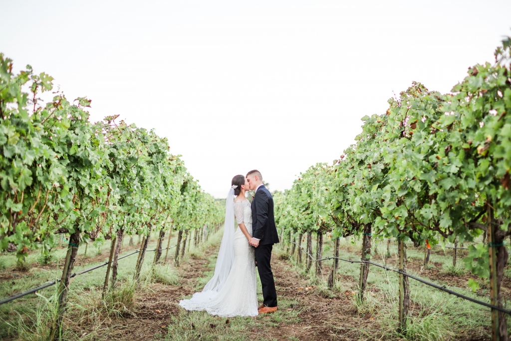 spicewood vineyards austin wedding 17