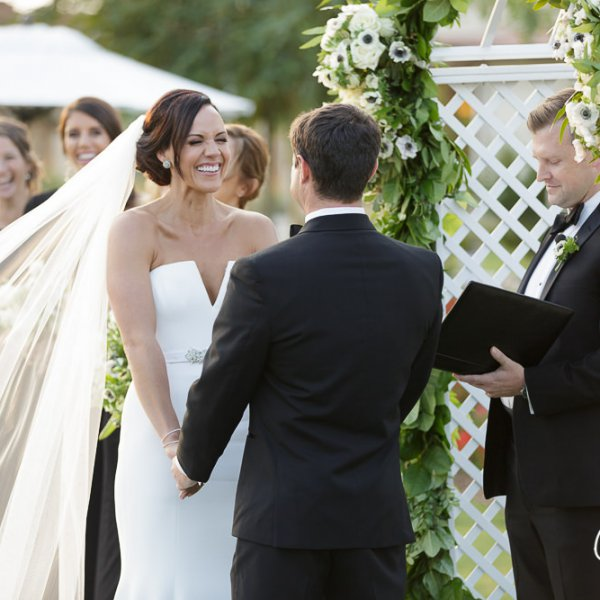 39_veil-dress-vera-wang-ceremony-groom-bride-Newport-Beach-Country-Club-wedding-photo