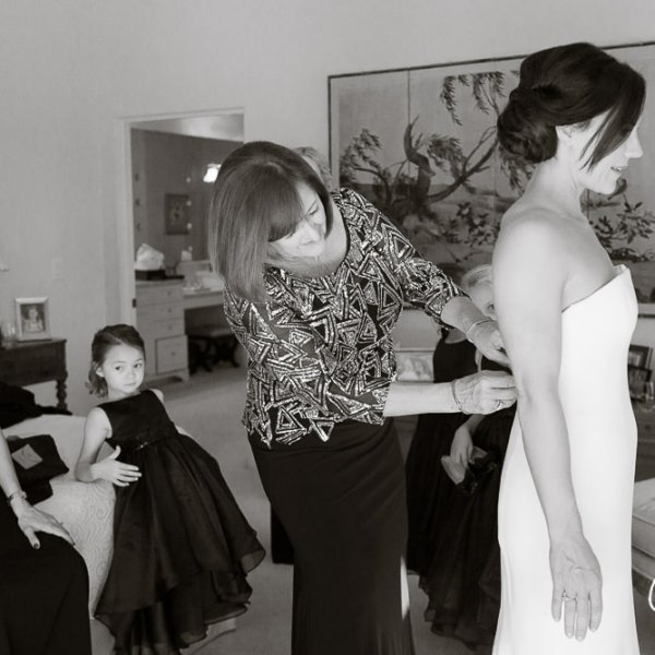 09_mother-bride-getting-ready-dress-gown-Newport-Beach-Country-Club-wedding-photography