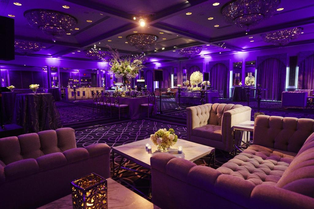 wedding-website-venues-small_3