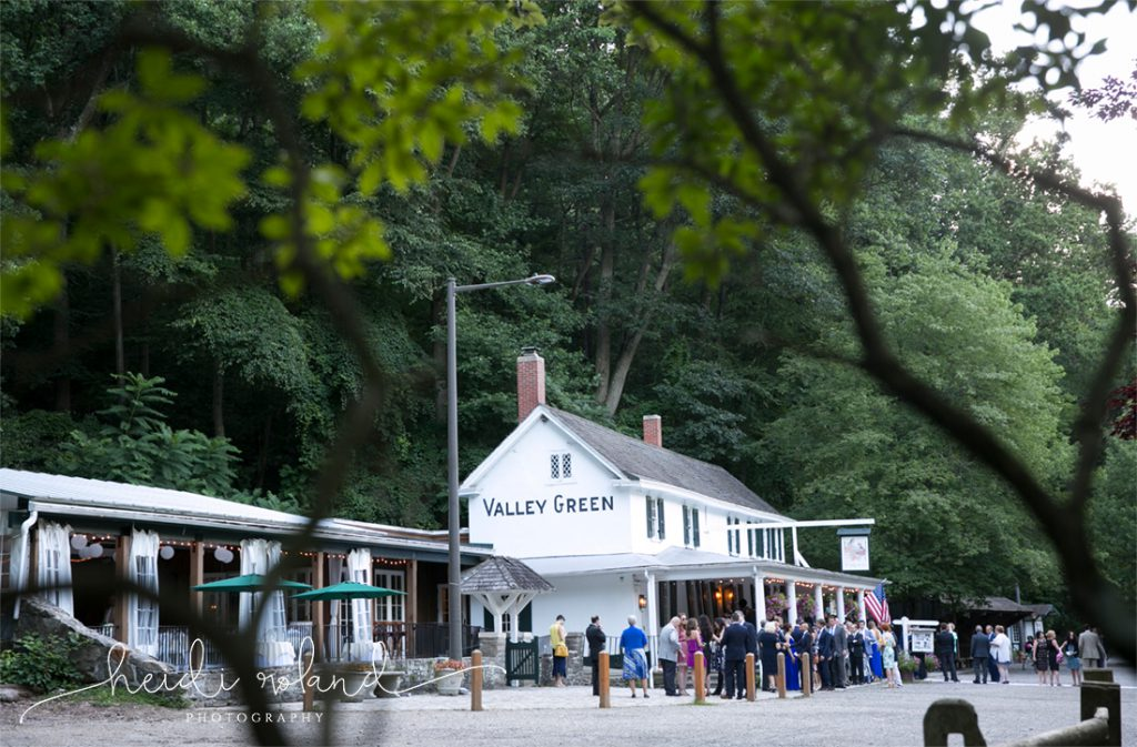 Valley_Green_Inn_Wedding_Philadelphia_PA_Heidi_Roland_Photography0123