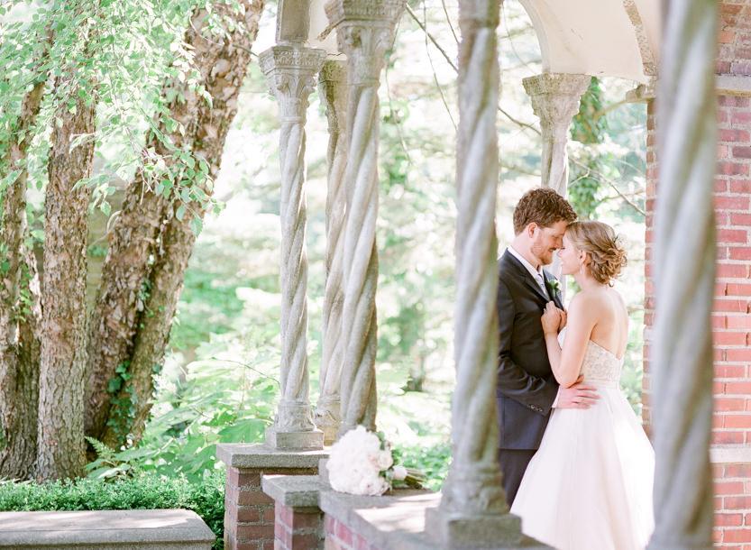 Aldie_Mansion_Wedding_Pictures-Schon_Photography-99