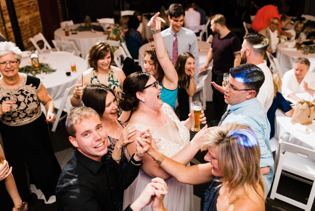 haley-richter-photo-west-chester-summer-wedding-boxcar-brewery-214