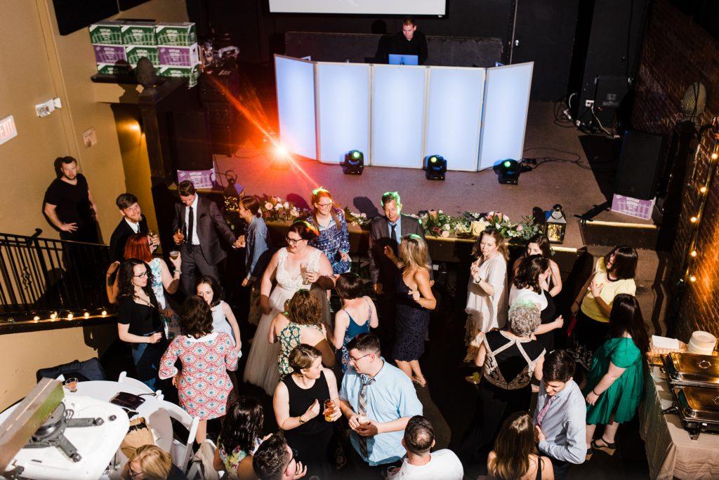 haley-richter-photo-west-chester-summer-wedding-boxcar-brewery-215