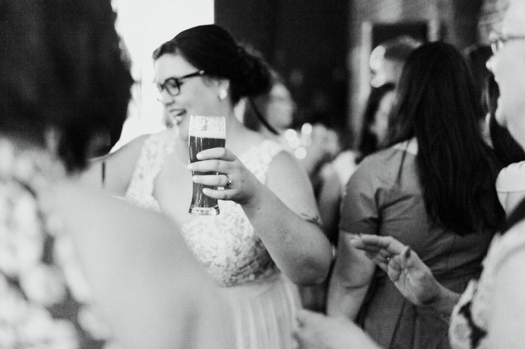 haley-richter-photo-west-chester-summer-wedding-boxcar-brewery-212