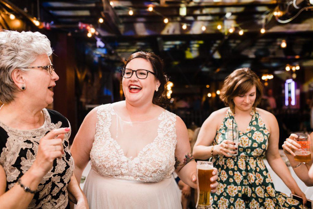 haley-richter-photo-west-chester-summer-wedding-boxcar-brewery-211
