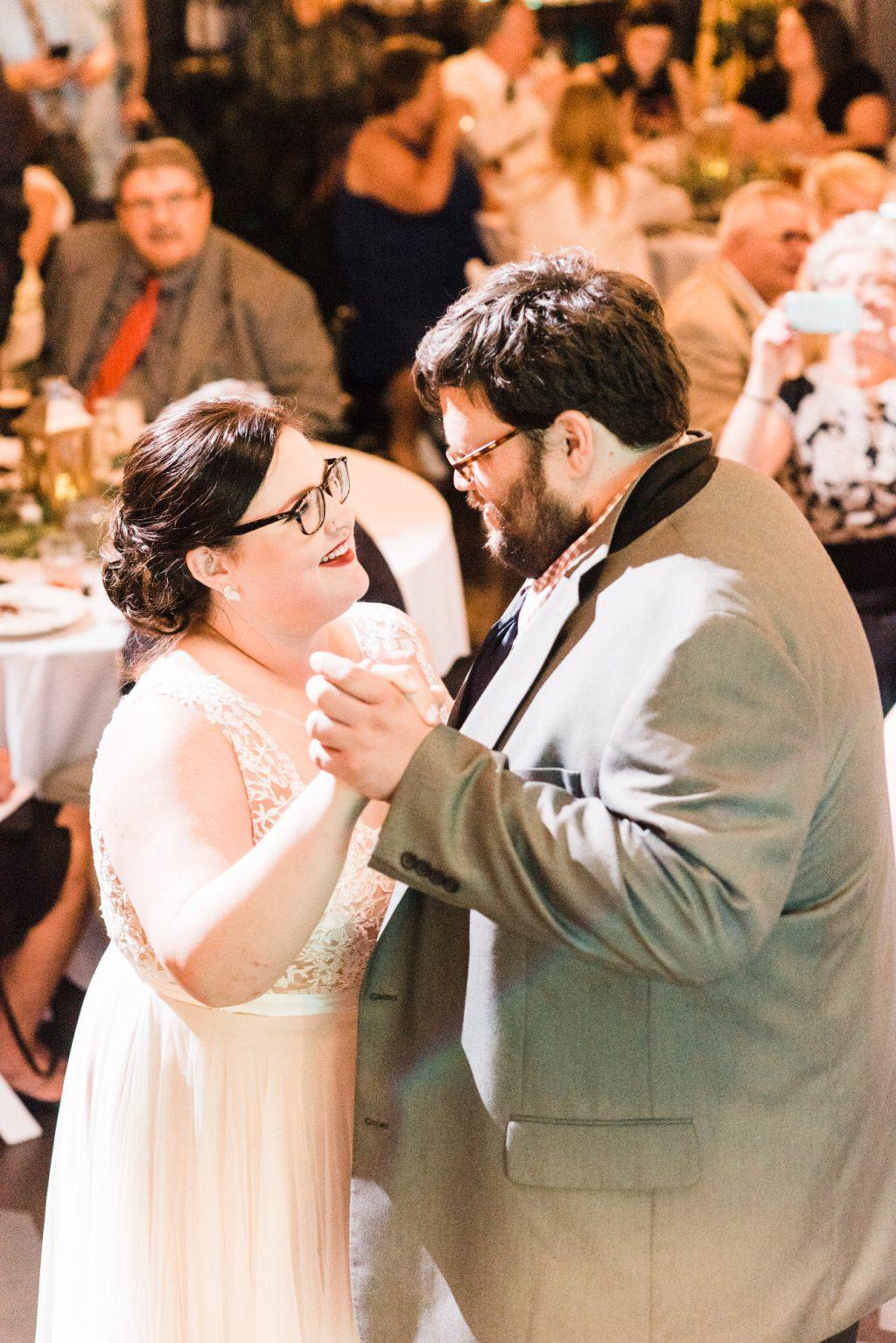 haley-richter-photo-west-chester-summer-wedding-boxcar-brewery-173