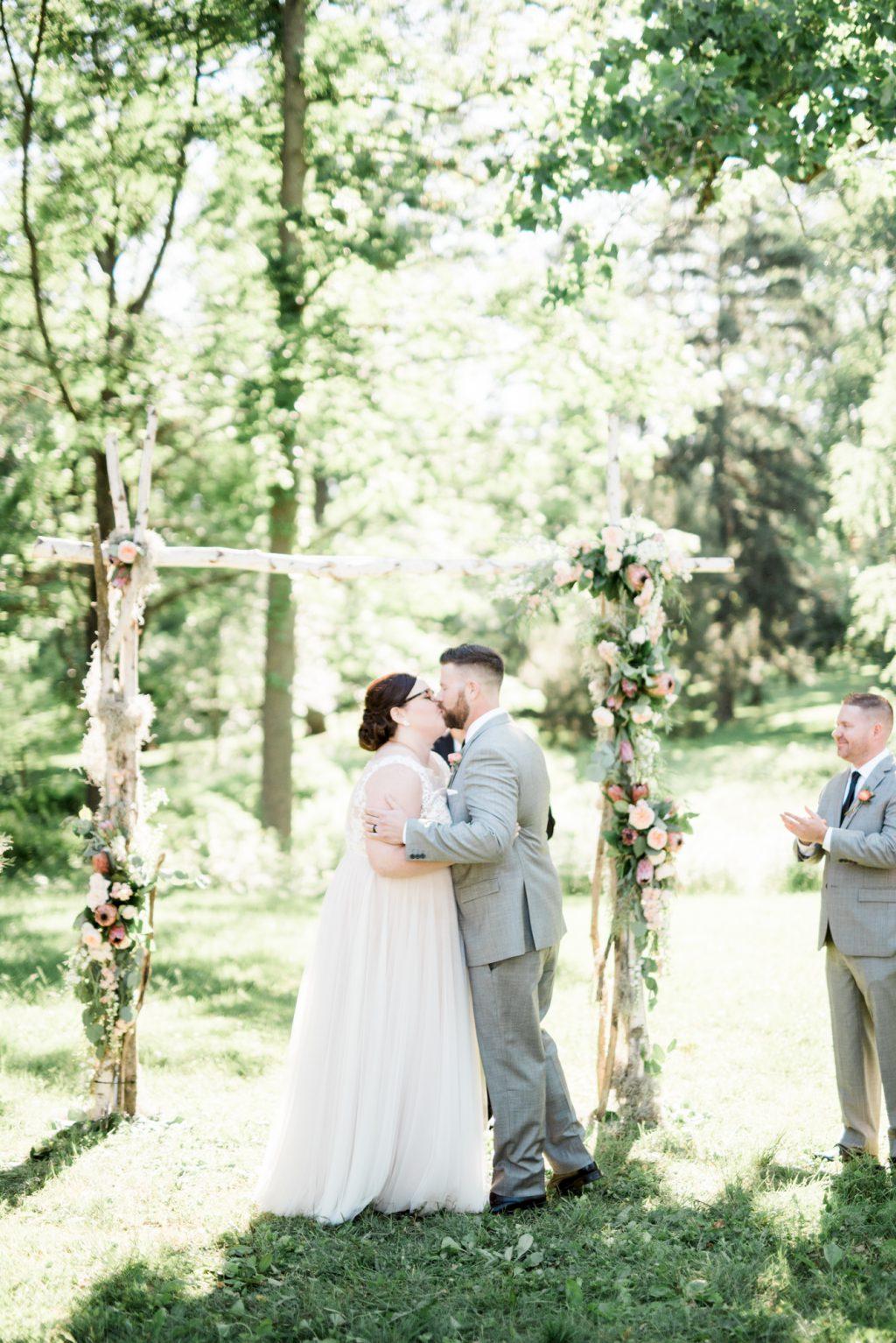 haley-richter-photo-west-chester-summer-wedding-boxcar-brewery-125