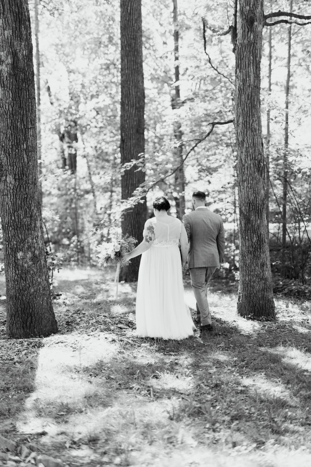 haley-richter-photo-west-chester-summer-wedding-boxcar-brewery-092