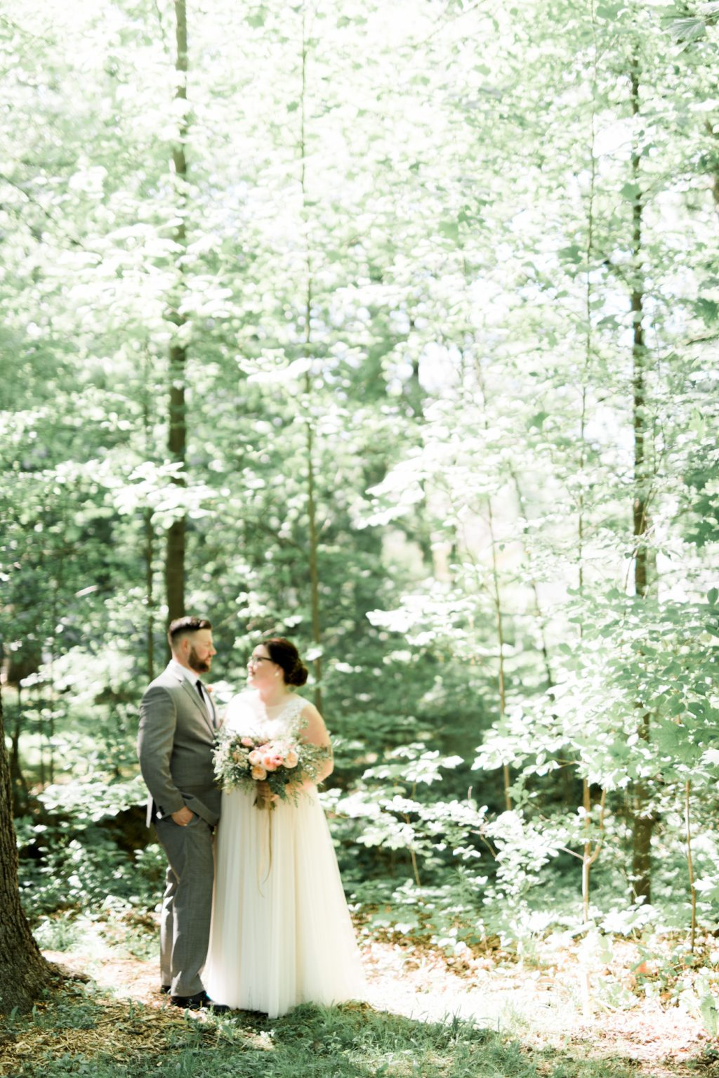 haley-richter-photo-west-chester-summer-wedding-boxcar-brewery-091