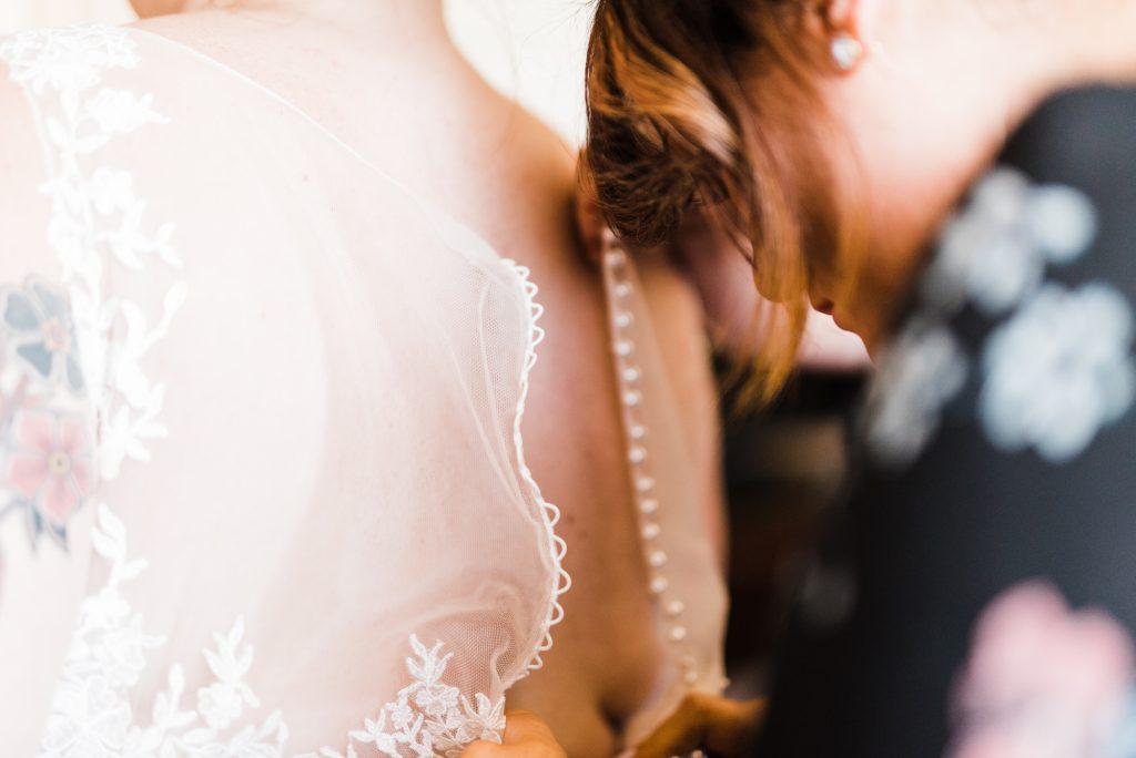 haley-richter-photo-west-chester-summer-wedding-boxcar-brewery-018