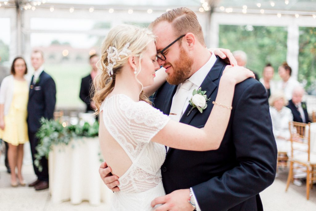 haley-richter-photography-american-swedish-historical-museum-spring-wedding-170