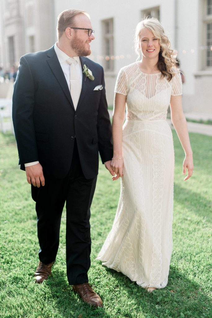 haley-richter-photography-american-swedish-historical-museum-spring-wedding-146