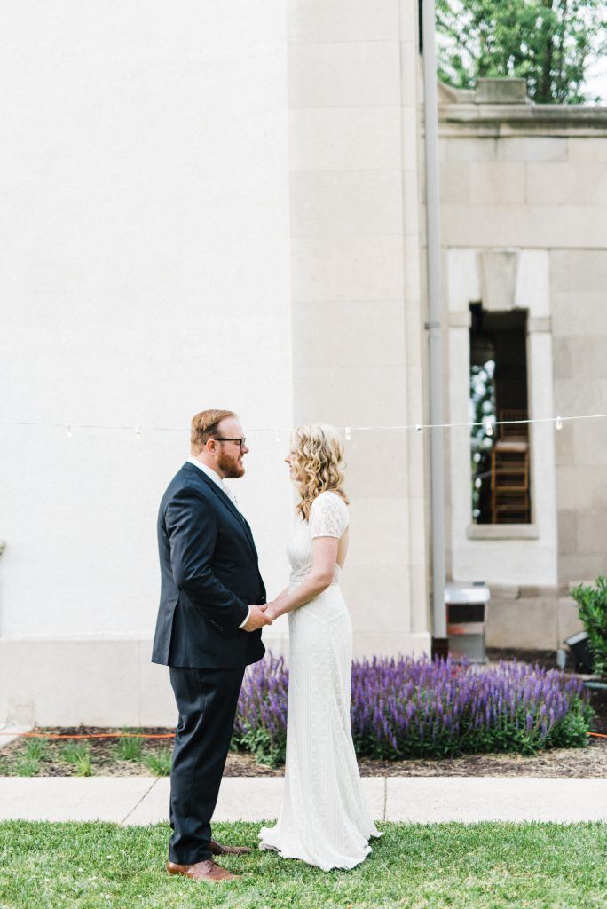 haley-richter-photography-american-swedish-historical-museum-spring-wedding-147