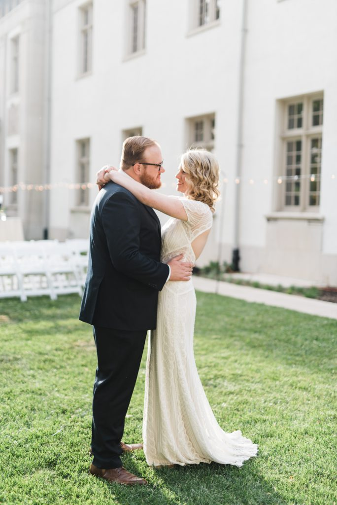 haley-richter-photography-american-swedish-historical-museum-spring-wedding-144