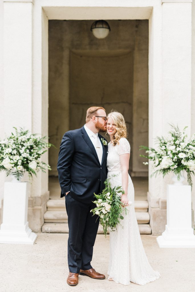 haley-richter-photography-american-swedish-historical-museum-spring-wedding-095